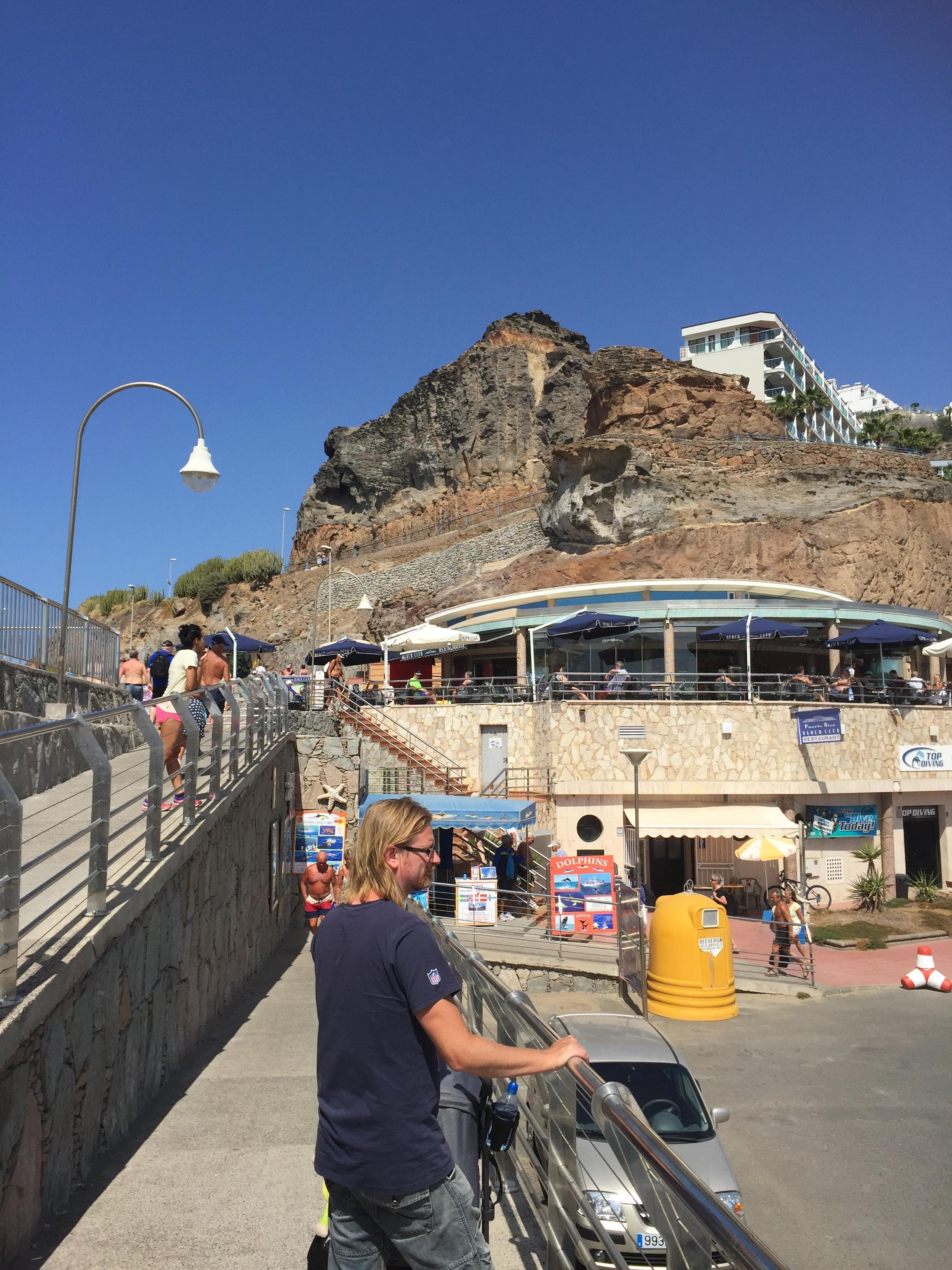 Strandpromenad till Amadores